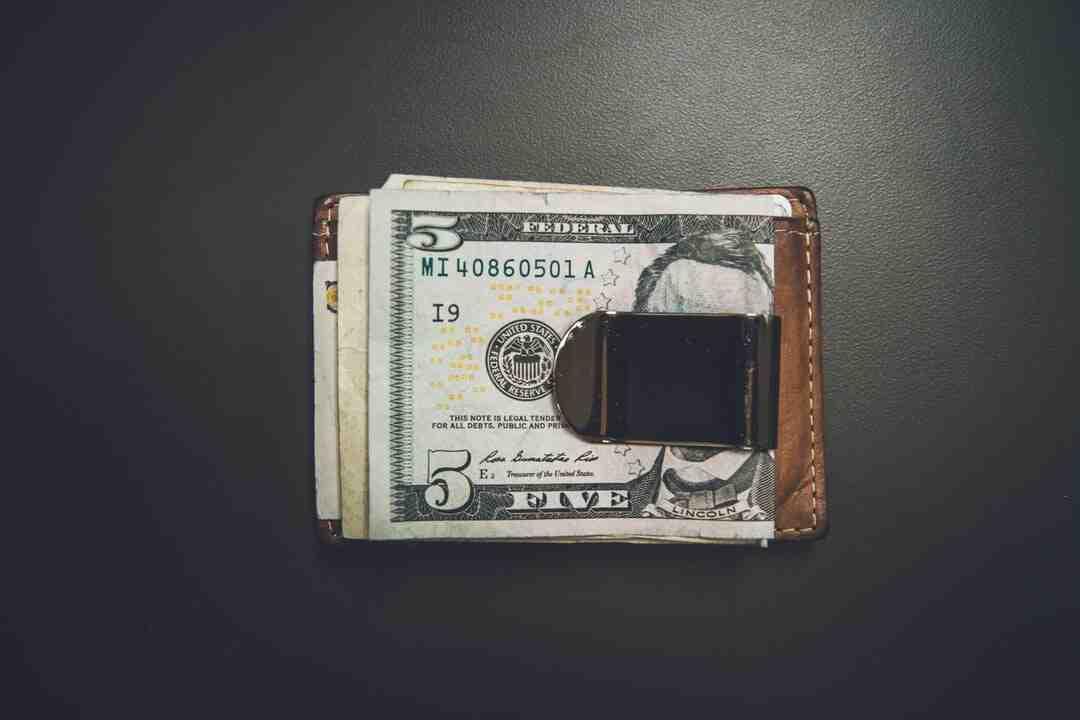 Comment utiliser une pince à billets